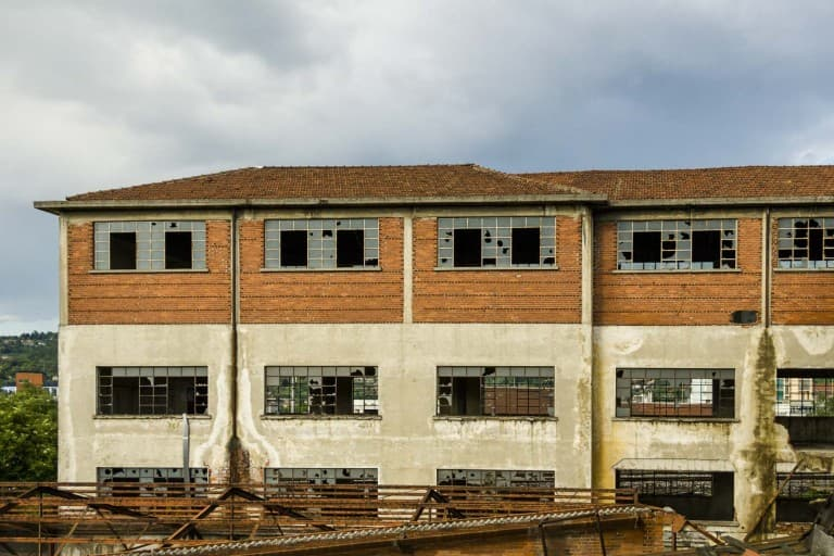 Garis – Abandoned Brakes Factory Outside View – Nichelino, Italy