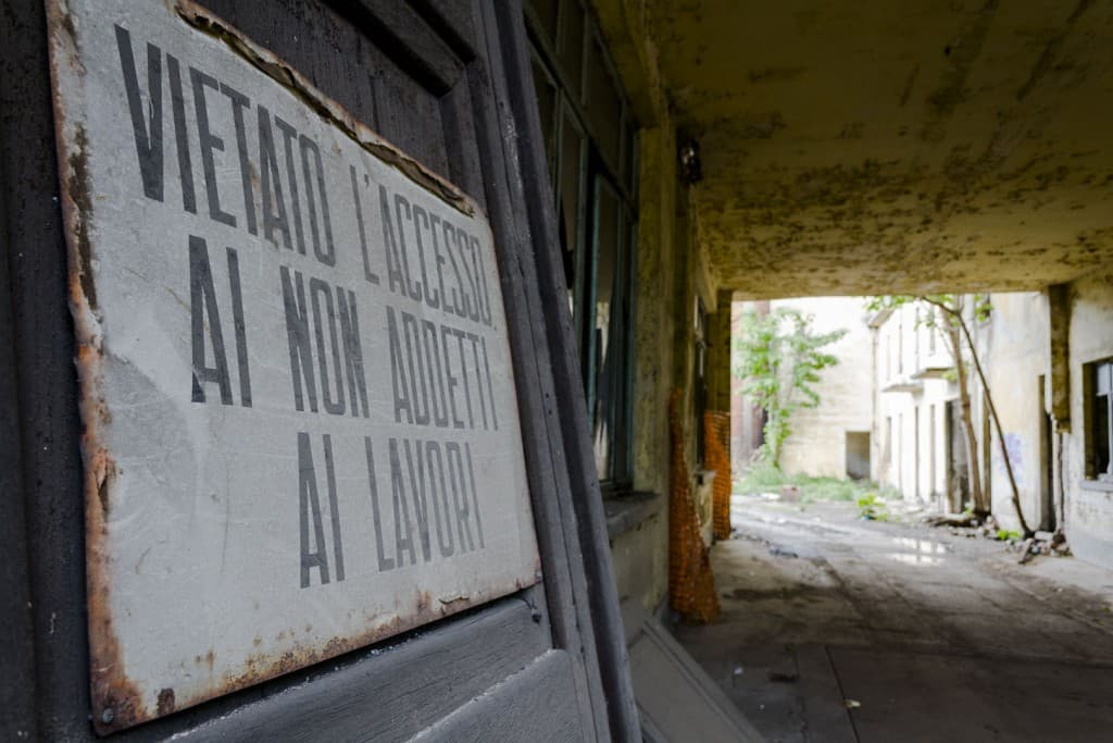 Warning Sign at Garis – Abandoned Brakes Factory – Nichelino, Italy