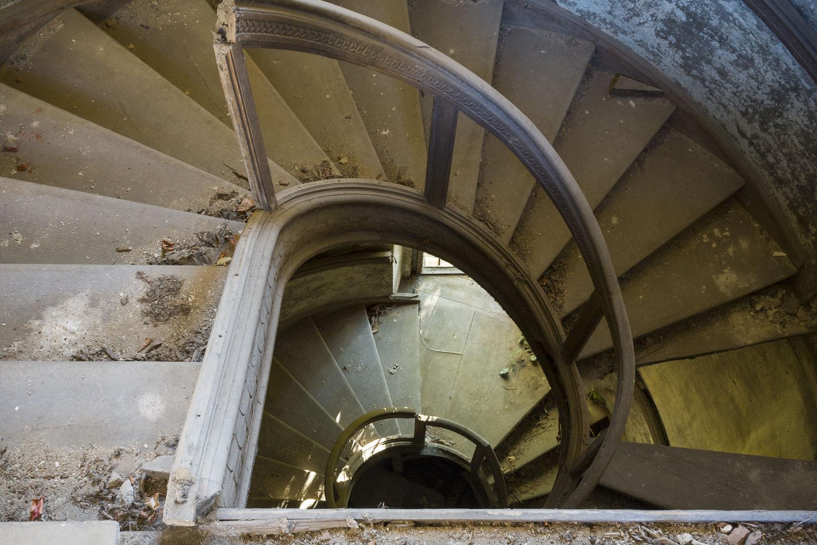 """Abandoned """"Maggiordomo"""" Villa – Grugliasco, Italy"""