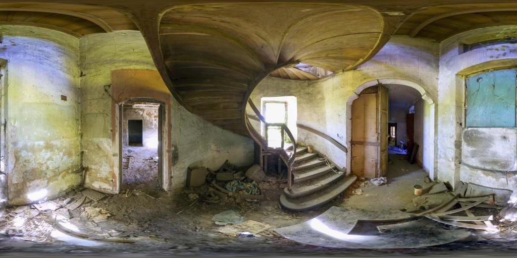 """360° Panorama of the Abandoned """"Maggiordomo"""" Villa – Grugliasco, Italy"""