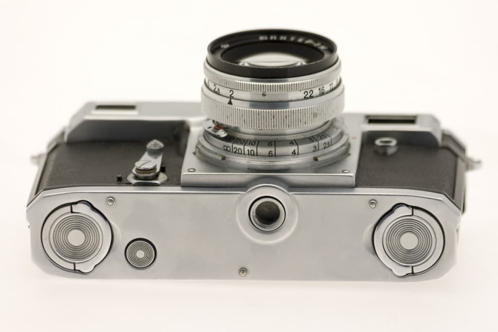 Kiev 4A (Киев) – Soviet 35mm Rangefinder Film Camera Bottom View