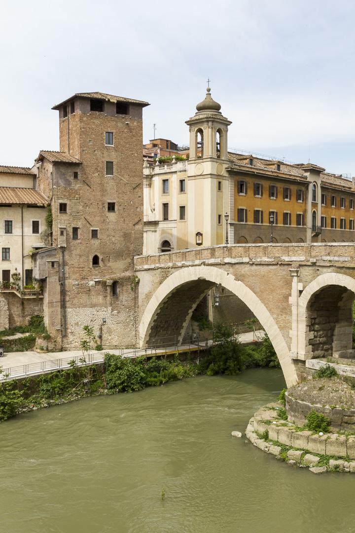 Ponte Fabricio, Rome – Italy