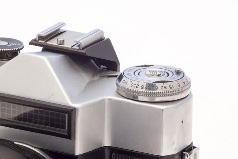 Zenit-E (Зенит-E) – Soviet 35mm Reflex Film Camera